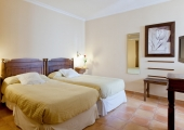 Hotel Don Carlos Cáceres | Twin room